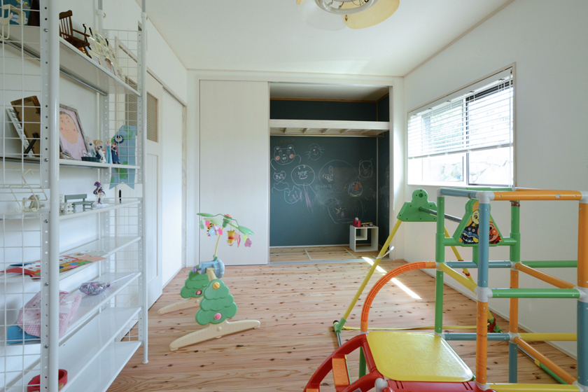 子供部屋収納にもひと工夫。の写真